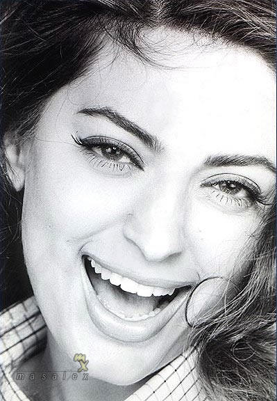 Juhi Chawla cutest wallpaper