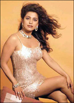 Juhi Chawla hot exposing wallpaper