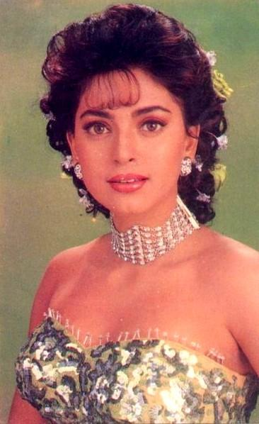 Juhi Chawla hot boob show wallpaper