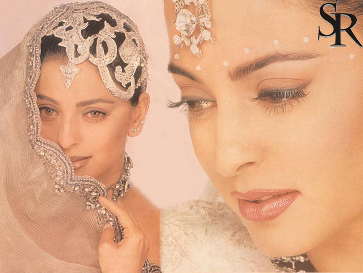 Juhi Chawla latest best wallpaper