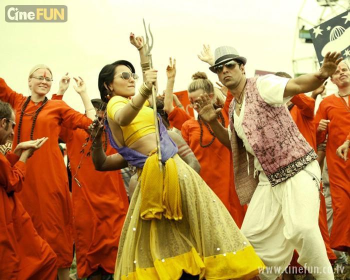 Akshay, Sonakshi's mud dance in 'Joker'