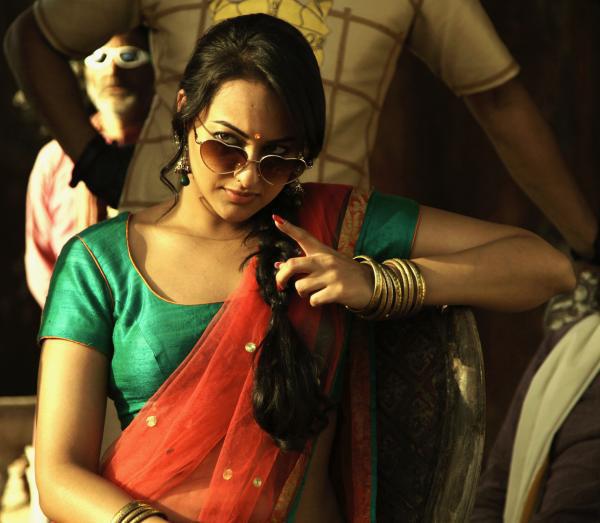 sonakshi sinha look in joker