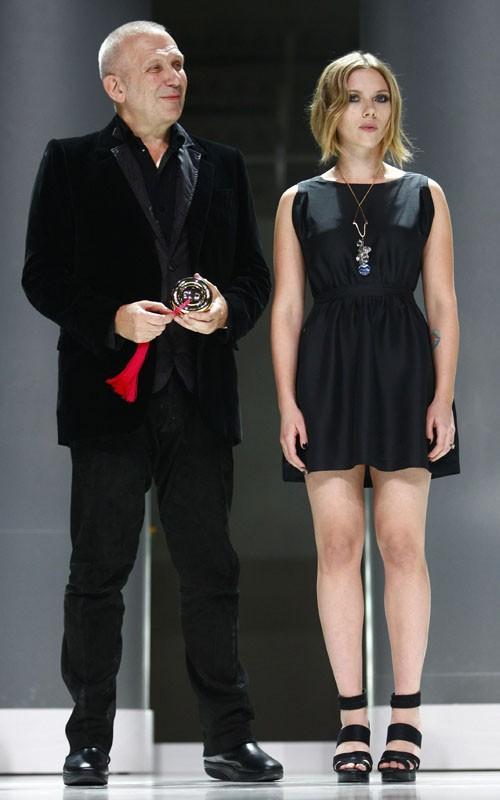 Scarlett Johansson hot pose in mini dress