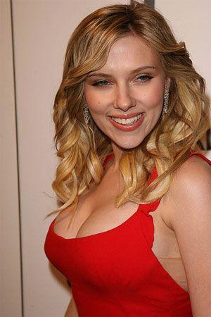 Scarlett Johansson hot boob sexy still