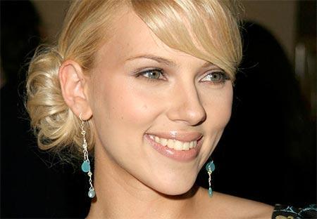 We bought zoo movie Scarlett Johansson closeup pics