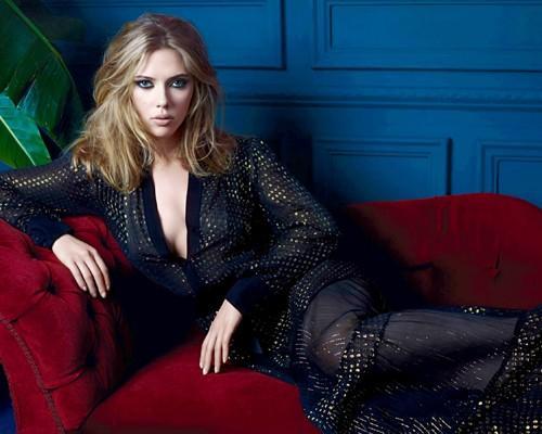 Scarlett Johansson sexy body wallpaper