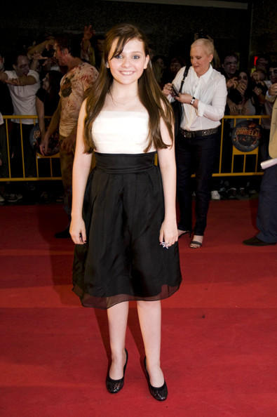 Abigail breslin very hot dressing pictures