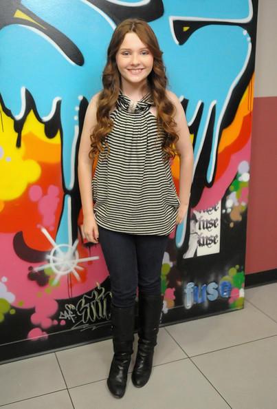 Abigail breslin press meet pictures