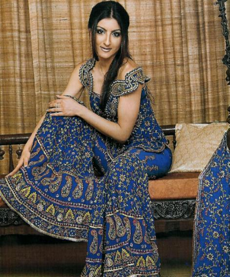 Soha Ali Khan : Sexy Look