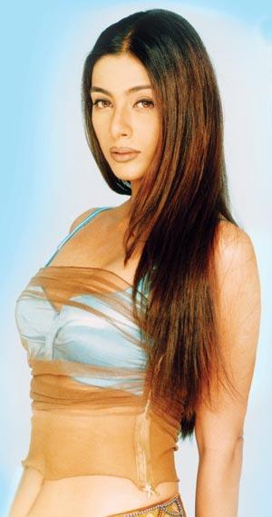 Tabu Khan super bikini still