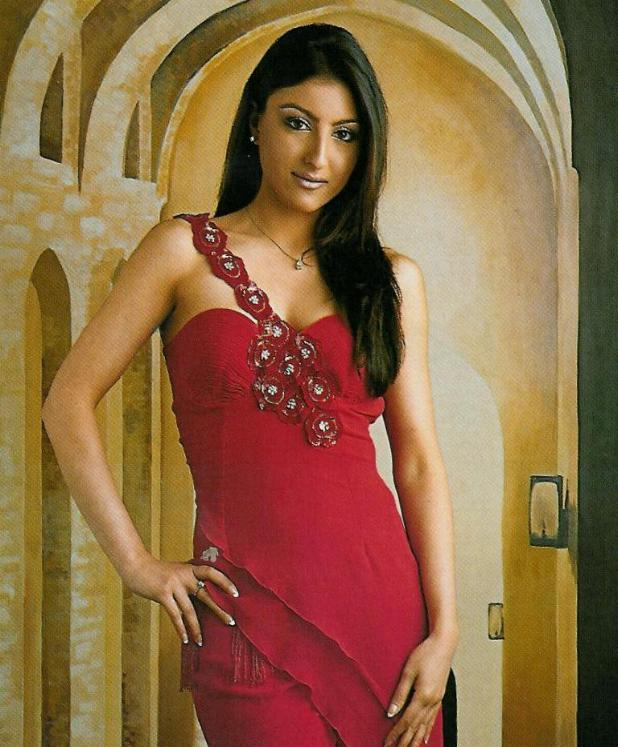 Hot Soha Ali Khan in dark red prom dress