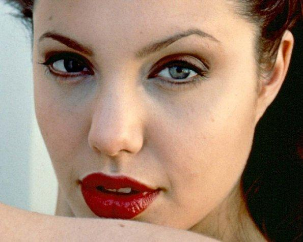 Angelina Jolie space and lips cute photos