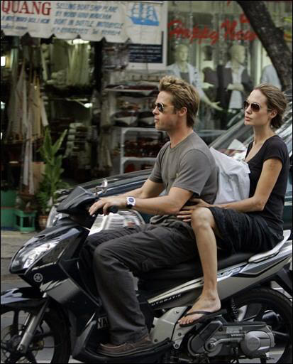 Brad Pitt and angelina jolie bike stills