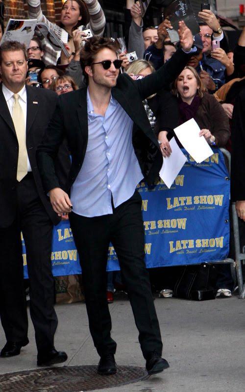 Robert Pattinson Photo at Drop Late Show