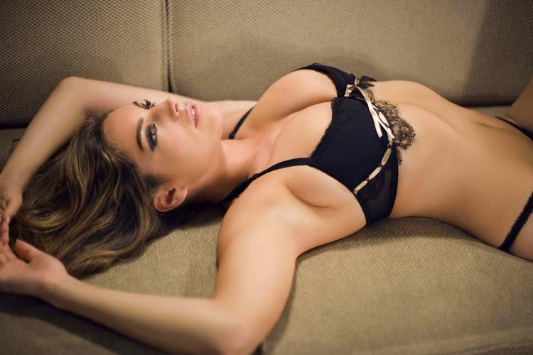 Kelly Brook sexy navel hottest shoot
