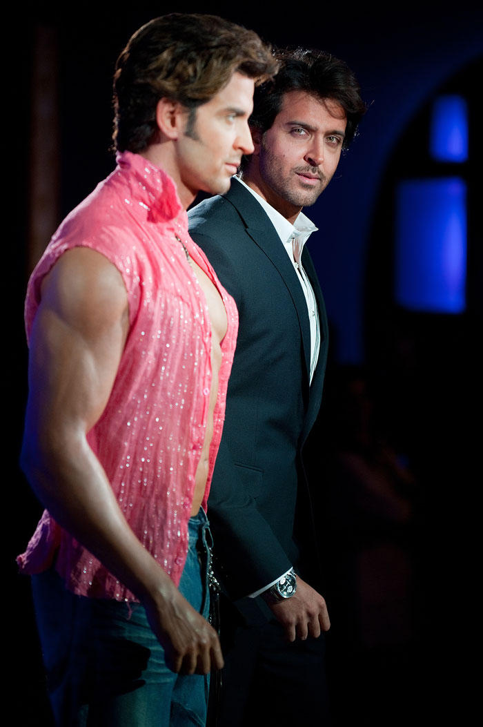 Hrithik Roshan With Statue photo shoot