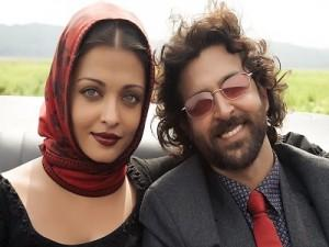 Aish and Hrithik Roshan Guzaarish movie beauty still