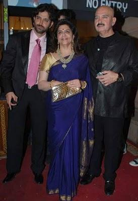 Dr PK Agarwals daughter Wedding Hrithik Roshan photo with family
