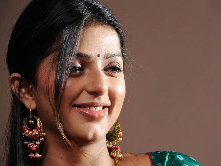 Bhumika Chawla sweet smile pics