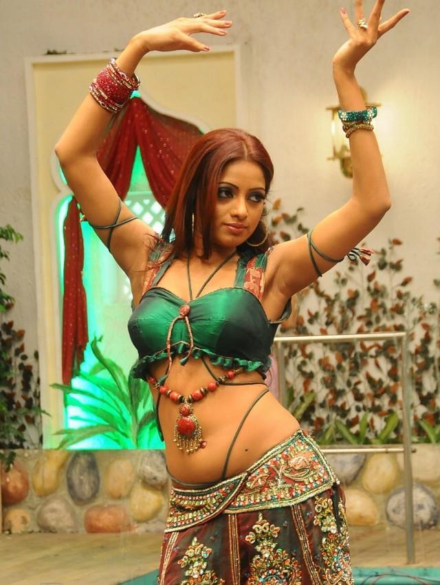 Udaya Bhanu latest glamour still