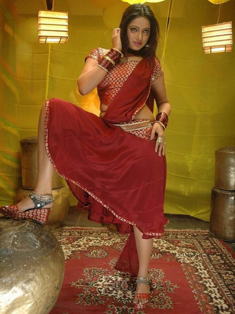 Udaya Bhanu red saree spicy photo