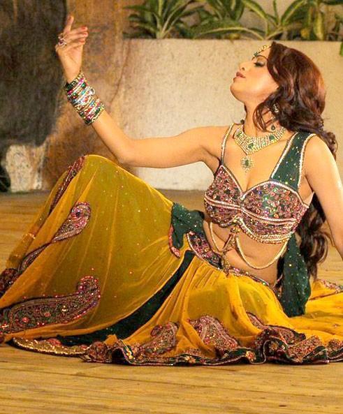 Udaya Bhanu sexy blouse latest hot pics