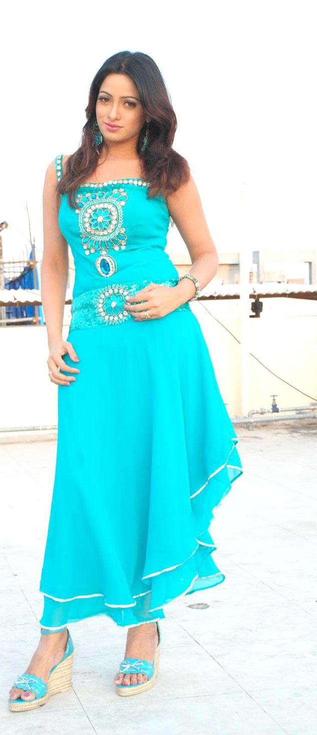 Udaya Bhanu light blue color dress photo