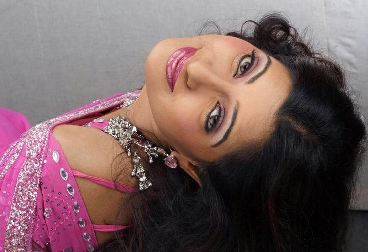 Udaya Bhanu pink color saree cute face still