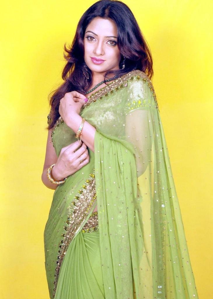 Udaya Bhanu gorgeous saree awesome look
