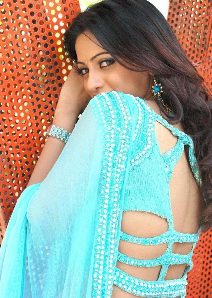 Udaya Bhanu sexy back expose
