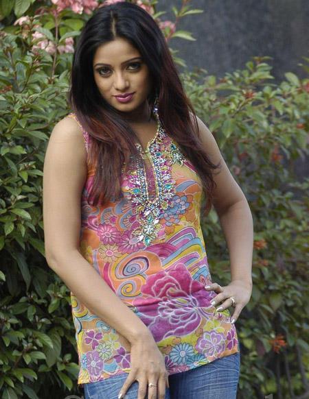 Udaya Bhanu beauty still