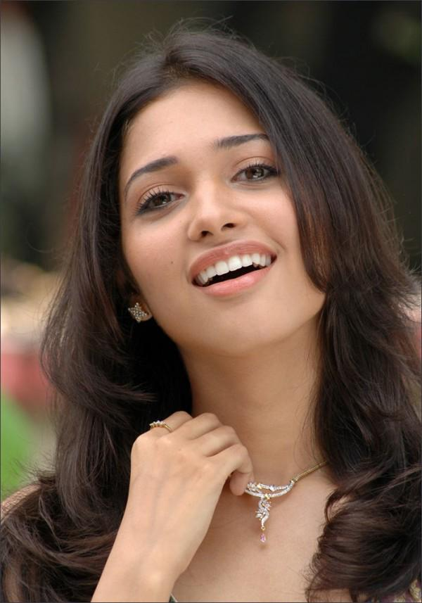 Beautiful girl Tamanna Bhatia latest cute sweet look
