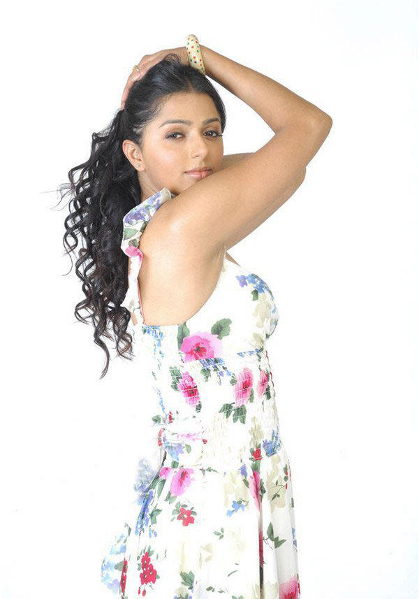 Hot Latest Photo of Bhumika Chawla