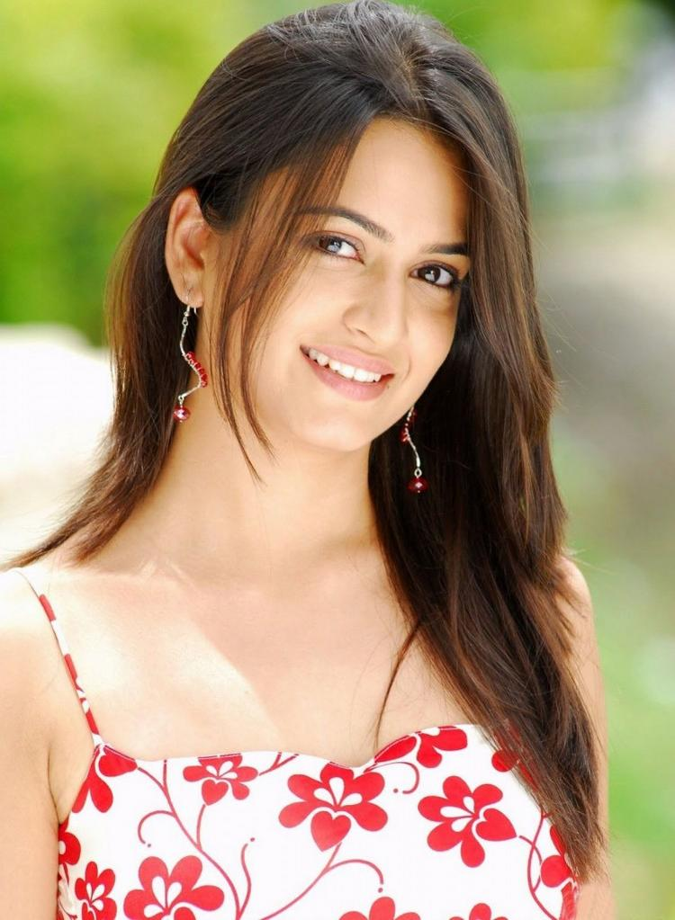 Kriti Kharbanda wonderful beauty still