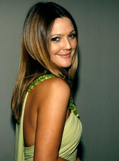 Drew Barrymore looking very gorgeous