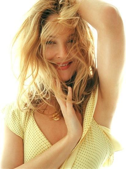 Drew Barrymore cute hot yellow color dress still