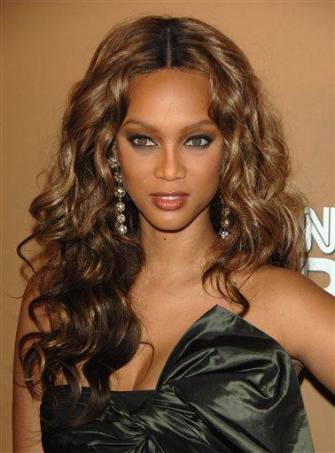 Tyra Banks sizzling hot sexy look