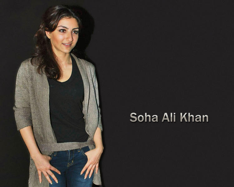 Soha Ali Khan black color t shirt wallpaper