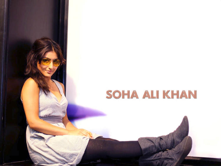 Soha Ali Khan gorgeous wallpaper