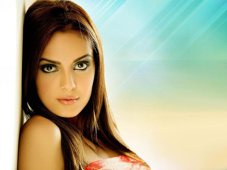 Shazahn Padamsee hot wallpaper