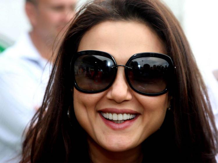 Preity Zinta black goggles wallpaper