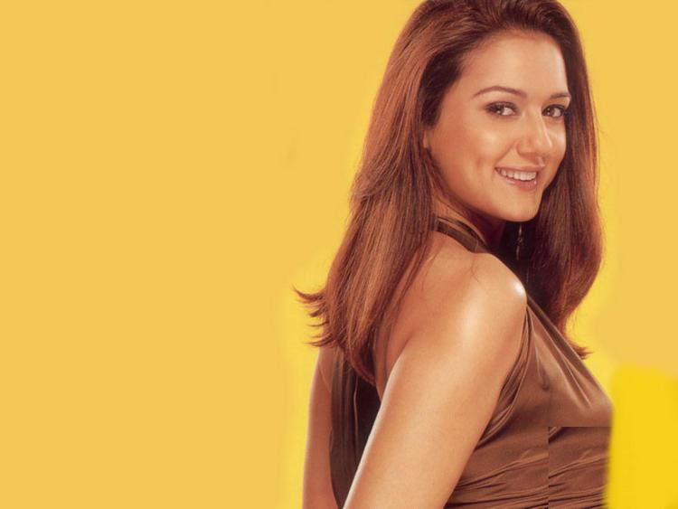 Preity Zinta sexy exposing wallpaper