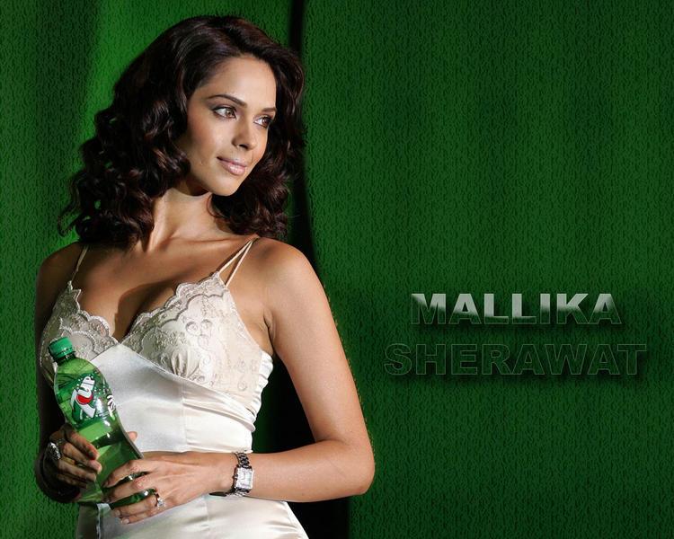 Mallika Sherawat green background wallpaper