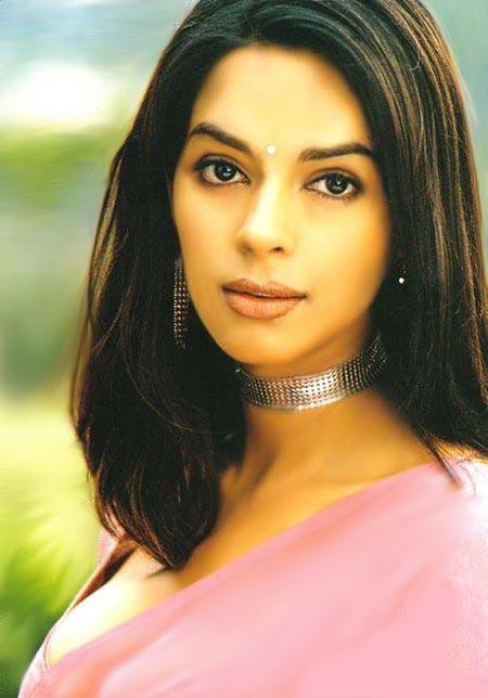 Mallika Sherawat  glamourous wallpaper