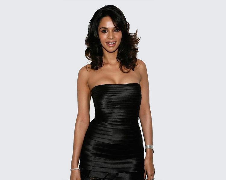 Mallika Sherawat tight black sleeveless dress wallpaper