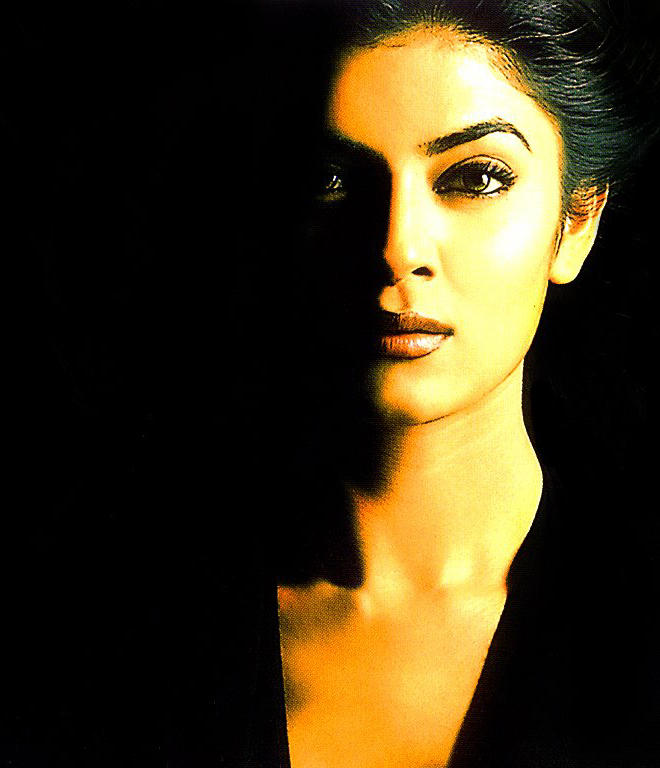 Susmita Sen black hot look
