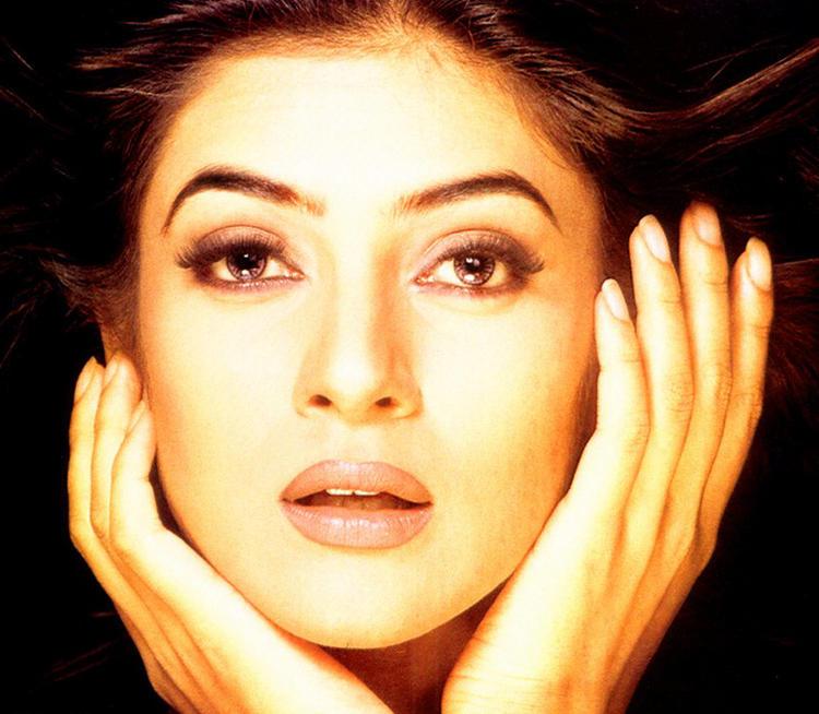 Susmita Sen's Glazing eyes look