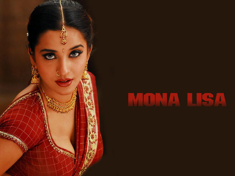 Mona Lisa red hot saree wallpaper
