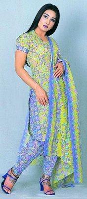 Reema Khan salwar suit cute wallpaper