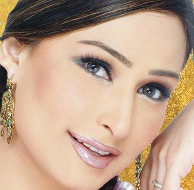 Reema Khan spicy face wallpaper
